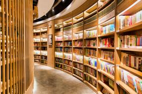开学生活敞亮的图书馆大场景