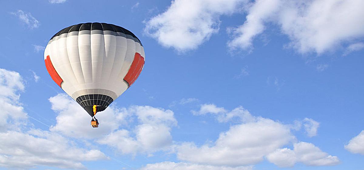 小清新热气球背景