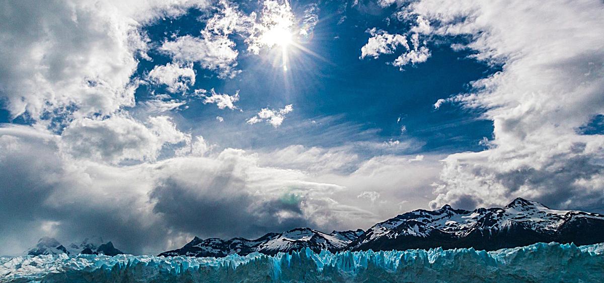 大气雪山云朵风景bannerjpg素材-90设计