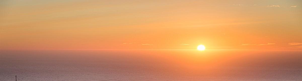 图片 > 【jpg】 渐变夕阳余晖简约背景  分类:自然/风景 类目:其他