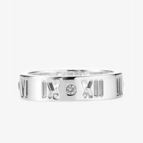 蒂芙尼罗马数字蒙大拿蓝宝石戒指