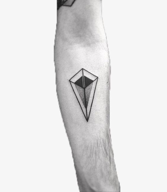 创意几何体椎体纹身