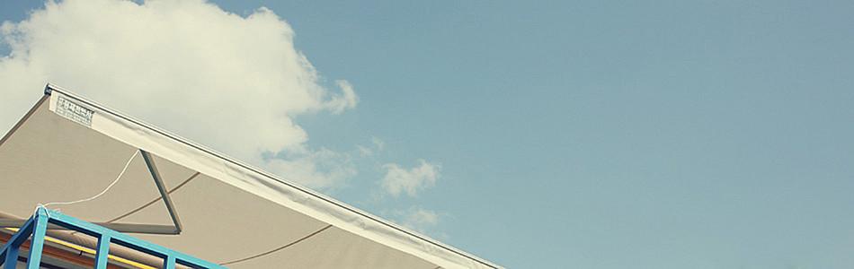 唯美建筑一角天空海报背景