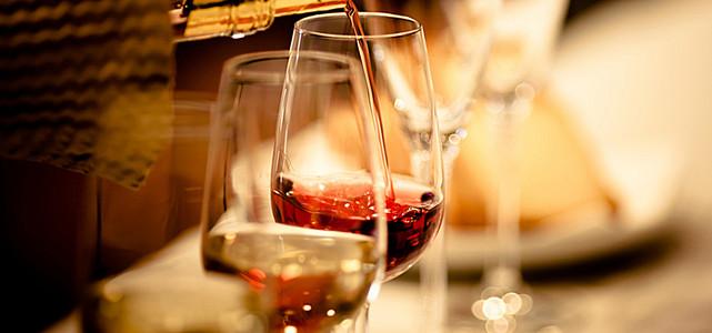 红酒背景图