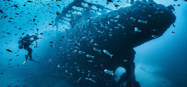 潜水背景图