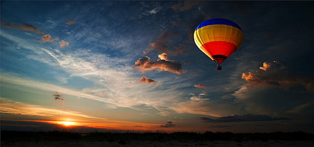 热气球天空风景海报