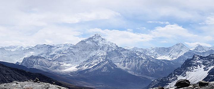 唯美西岭雪山山峰风景海报背景图
